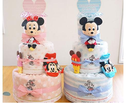 ベビーカラーが優しく可愛らしいおむつケーキ