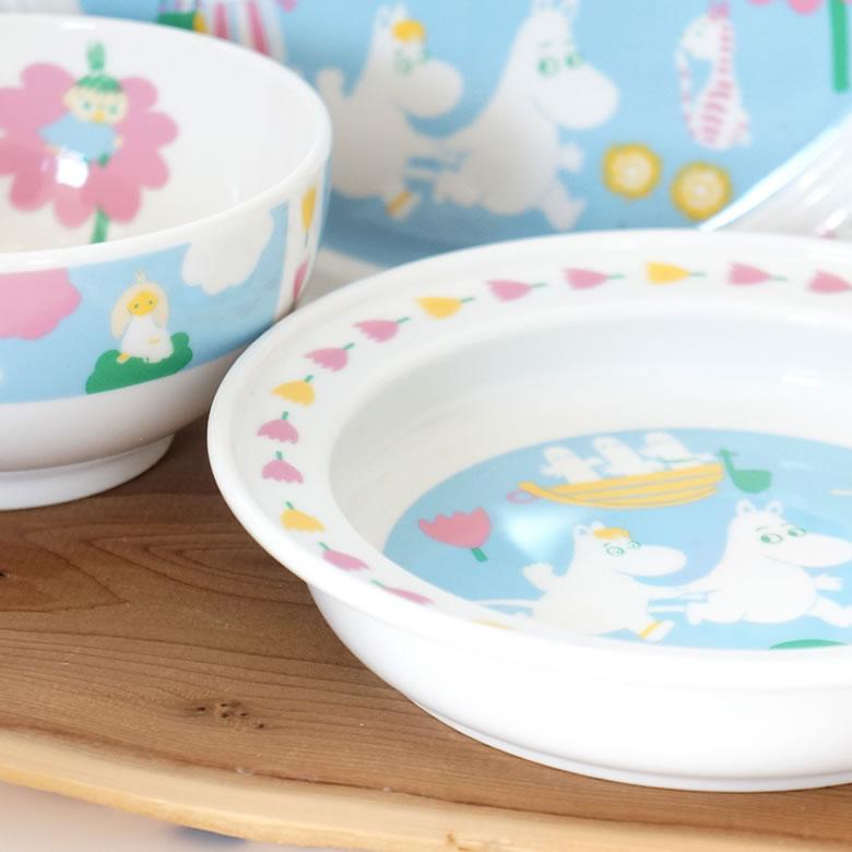 お皿に深みがあることで離乳食期にもぴったり!